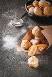 Попкорн Cronuts, отверстия donuts слойки Стоковое фото RF