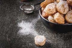 Попкорн Cronuts, отверстия donuts слойки Стоковая Фотография RF