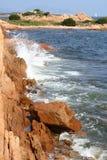 поплавайте вдоль побережья утесы Стоковое Изображение RF