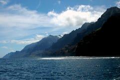 поплавайте вдоль побережья napali Стоковое Фото