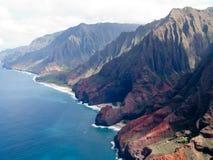 поплавайте вдоль побережья pali na kauai Стоковая Фотография RF
