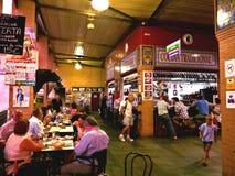 Популярное туристское назначение открытого рынка в Севилье стоковая фотография