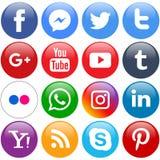 Популярные социальные значки средств массовой информации установленные кругом иллюстрация вектора