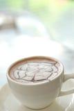 Питье горячего шоколада Стоковая Фотография RF