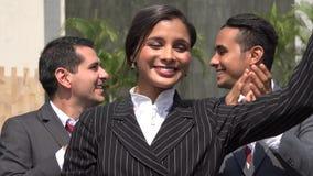 Популярный женский политик на политическом событии сток-видео