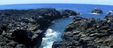 поплавайте вдоль побережья вулканическое Стоковая Фотография RF