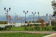 Поплавайте вдоль побережья в городе самары, Российской Федерации Стоковые Изображения RF