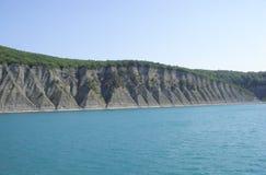поплавайте вдоль побережья утесистое Стоковая Фотография RF