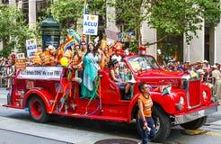 Поплавок пожарной машины гей-парада ACLU Сан-Франциско Стоковые Изображения RF