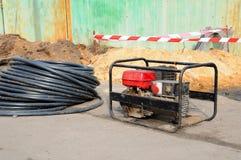 портативная машинка электрического генератора Ремонт дорожной работы стоковая фотография rf