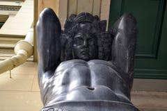 Портик с Atlantes обитель atlants новая святой petersburg России моста okhtinsky стоковая фотография
