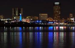 портовый район горизонта ночи пляжа длинний Стоковые Изображения