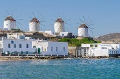 Портовый район и ветрянки Chora на Mykonos Стоковое фото RF