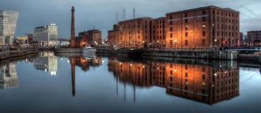 Портовый район Ливерпуля с отражениями Стоковая Фотография