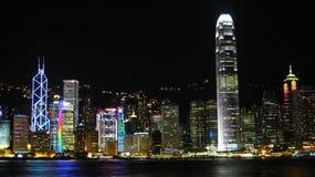 портовый район панорамы ночи Hong Kong Стоковая Фотография RF