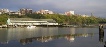 Портовый район Ридж водного пути Thea Foss зданий северного Tacoma Wa стоковые фото