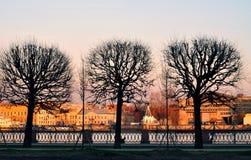 Портовый район Санкт-Петербурга на заходе солнца Стоковая Фотография RF