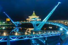 Портовый район Kuching моста Darul Ганы Стоковые Изображения RF
