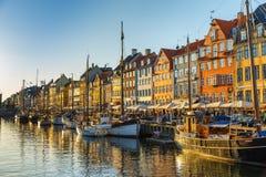 Портовый район Nyhavn семнадцатого века в Копенгагене стоковое фото