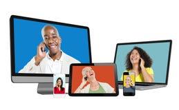 Портреты разнообразных людей на экране приборов цифров стоковая фотография rf
