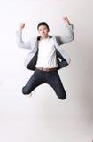 Портрет азиатского человека в изолированной предпосылке с знаком жеста Стоковое Изображение