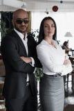 Портрет арабского бизнесмена с девушкой стоковое фото