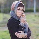 Портрет аравийской женщины стоковая фотография rf