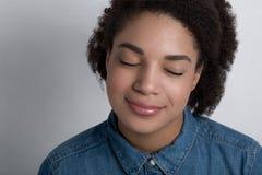 Портрет Афро-американской женщины Стоковое Изображение