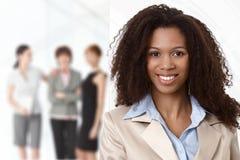 Портрет афро коммерсантки на офисе Стоковые Фотографии RF