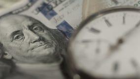 Портрет Бенджамина Франклина на конце-вверх долларовой банкноты, времени деньги, финансы стоковые изображения