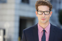 Портрет бизнесмена вне офиса Стоковые Изображения RF
