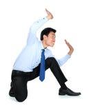 Портрет бизнесмена представляя для схематического фото Стоковая Фотография RF