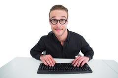 Портрет бизнесмена работая на его столе Стоковые Изображения RF
