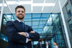 портрет бизнесмена счастливый стоковое изображение