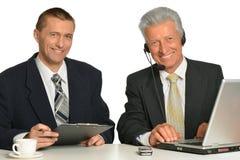 Портрет бизнесменов на таблице Стоковое фото RF