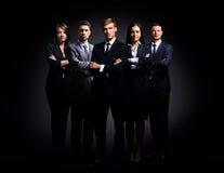 Портрет 5 бизнесменов стоять Стоковые Изображения