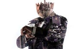 Портрет бородатого бизнесмена Город двойной экспозиции на предпосылке Стоковые Фотографии RF