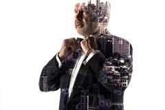 Портрет бородатого бизнесмена Город двойной экспозиции на предпосылке Стоковое Изображение