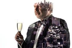 Портрет бородатого бизнесмена Город двойной экспозиции на предпосылке Стоковые Фото