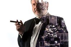 Портрет бородатого бизнесмена Город двойной экспозиции на предпосылке Стоковая Фотография RF