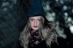 Портрет ведьмы хеллоуина красивое красивое Стоковое фото RF