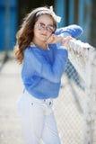 Портрет весны девочка-подростка outdoors Стоковая Фотография