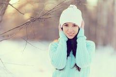 Портрет весны девушки снаружи Стоковая Фотография RF