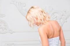 Портрет взгляда невесты от задней части Стоковое Изображение
