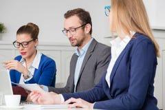 Портрет взгляда со стороны менеджера на деловой встрече Стоковое Изображение
