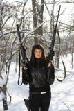 Портрет вооруженной красивой дамы Стоковые Изображения