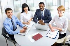 Портрет групповой встречи бизнес-группы Стоковая Фотография