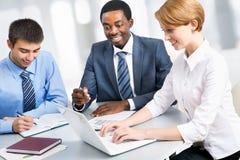Портрет групповой встречи бизнес-группы Стоковое Изображение RF