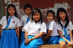 Портрет группы одетых в форму девушек школы Стоковые Фото