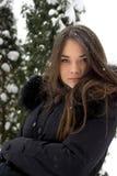 Портрет девушки в зиме. Стоковая Фотография RF